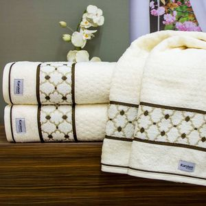 toalha-banho-gigante-banhao-lavine-karsten-ivory